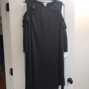 Gorgeous cold shoulder maternity dress